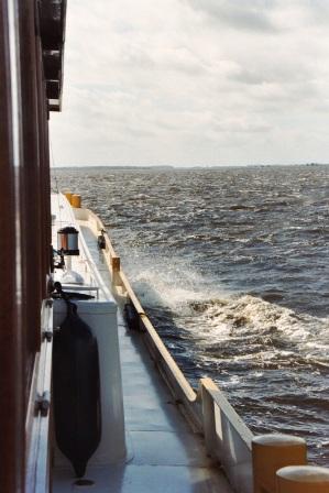 Die RIA in voller Fahrt über das Louwersmeer bei 6 Bf.
